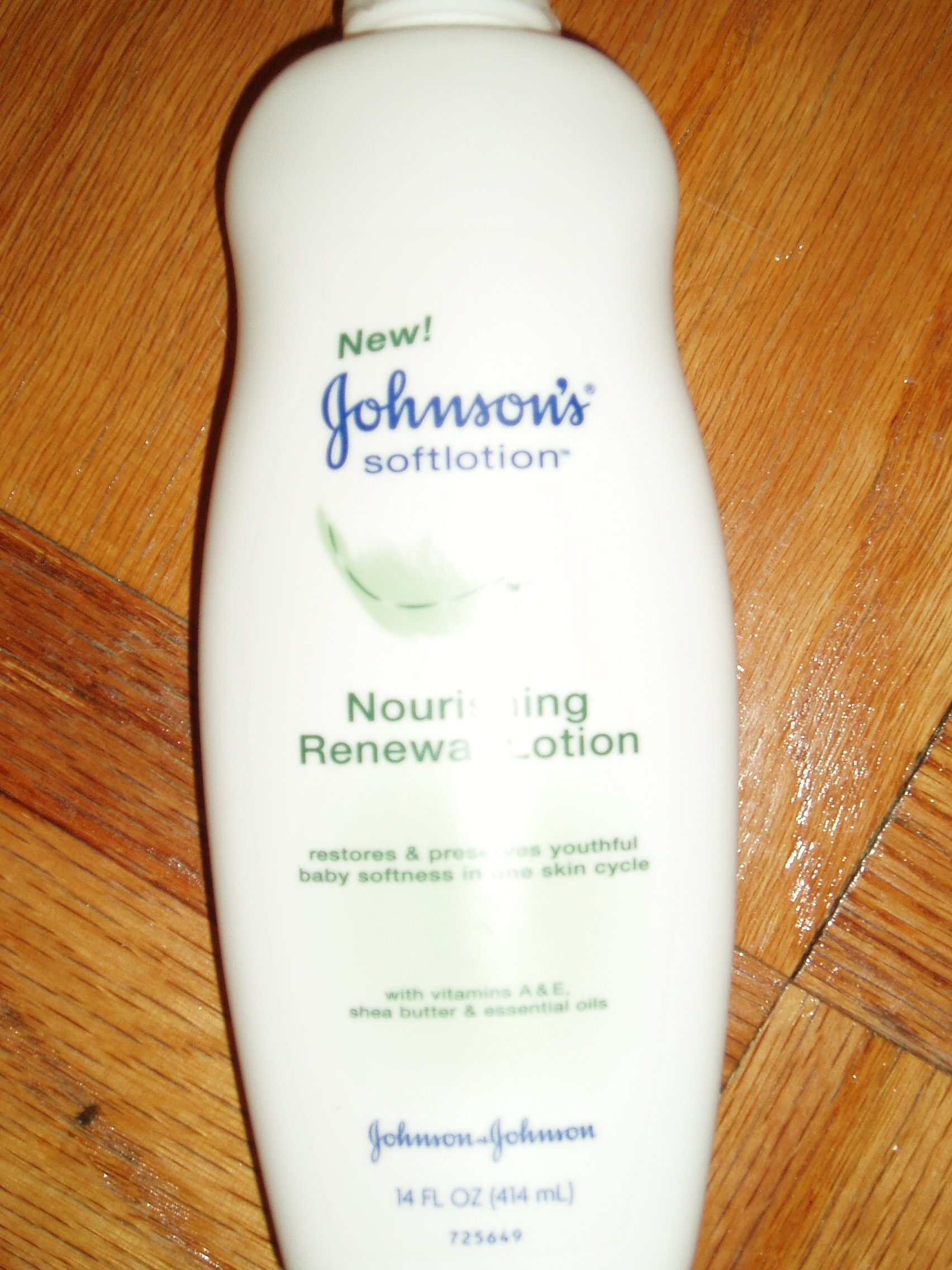 Johnsons Nourishing Lotion
